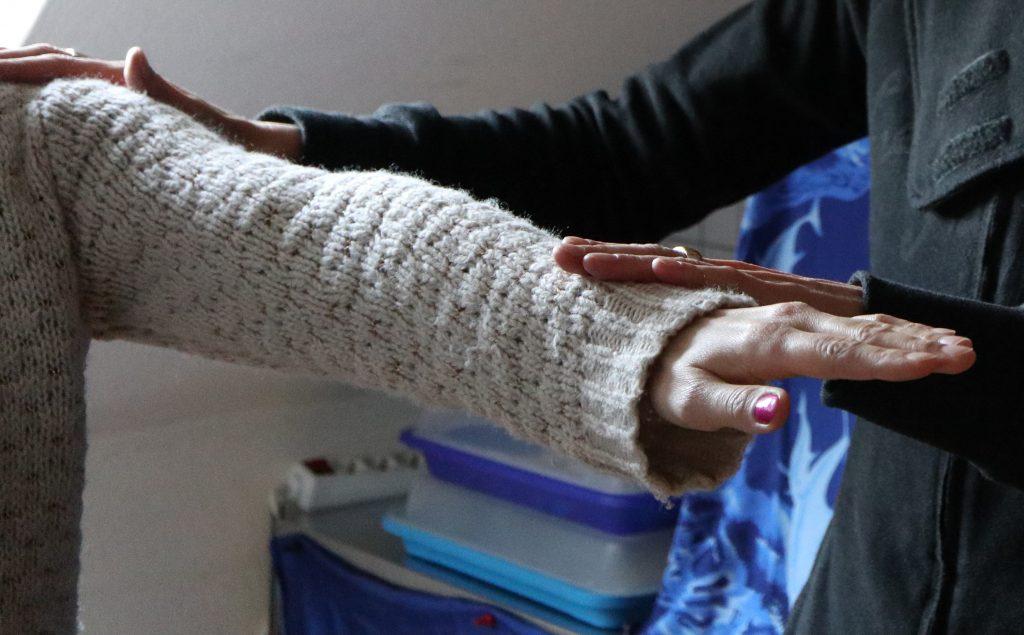 Der Kinesiologische Muskeltest am ausgestreckten Arm